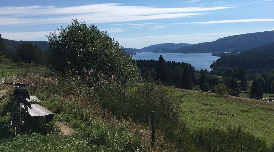 Blick vom Radweg auf den Schluchsee